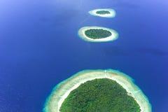 Νησιά στην ατόλλη Baa, Μαλδίβες, Ινδικός Ωκεανός Στοκ εικόνα με δικαίωμα ελεύθερης χρήσης