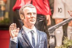 Νικολά Σαρκοζί, διάσημο Statuette στους αυχένες στοκ φωτογραφίες