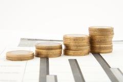 νομίσματα διαγραμμάτων Στοκ φωτογραφία με δικαίωμα ελεύθερης χρήσης