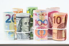 Νομίσματα και έννοιες εμπορικών συναλλαγών ανταλλαγής χρημάτων Οι ρόλοι του VAR Στοκ Εικόνα
