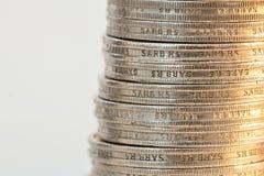Νομίσματα που συσσωρεύονται ασημένια Στοκ Εικόνες