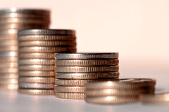 νομίσματα ράβδων που συσ&sig Στοκ εικόνα με δικαίωμα ελεύθερης χρήσης