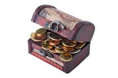 Νομίσματα στον κορμό Στοκ Εικόνα