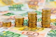 Νομίσματα σωρών, καμπύλη αύξησης Στοκ Εικόνες