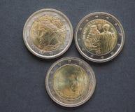 Νομίσματα της ΕΥΡ με τους ιταλικούς συγγραφείς Στοκ Φωτογραφίες
