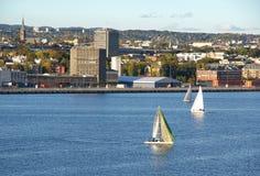 νορβηγικά sailboats φιορδ Στοκ Φωτογραφίες