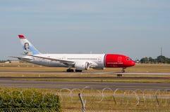 Νορβηγική απογείωση Dreamliner αέρα Στοκ φωτογραφία με δικαίωμα ελεύθερης χρήσης
