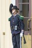 Νορβηγική γυναίκα στρατιωτών στις στολές gala που αλλάζουν τη φρουρά τιμής μπροστά από τη Royal Palace την 1η Ιουλίου 2016 στο Όσ Στοκ Φωτογραφίες