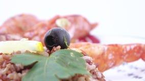 Νορβηγικός αστακός με το ρύζι φιλμ μικρού μήκους