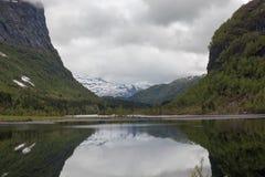 Νορβηγικό τοπίο φθινοπώρου στοκ φωτογραφίες με δικαίωμα ελεύθερης χρήσης