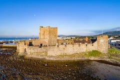 Νορμανδικό κάστρο σε Carrickfergus κοντά στο Μπέλφαστ Στοκ εικόνα με δικαίωμα ελεύθερης χρήσης