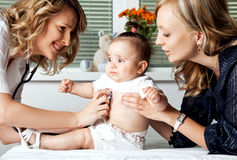 νοσοκομείο γιατρών μωρών Στοκ φωτογραφία με δικαίωμα ελεύθερης χρήσης