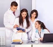 νοσοκομείο ομάδας γιατρών στοκ εικόνες