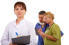 νοσοκόμα δύο γιατρών Στοκ εικόνα με δικαίωμα ελεύθερης χρήσης