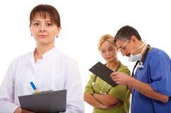 νοσοκόμα δύο γιατρών Στοκ εικόνες με δικαίωμα ελεύθερης χρήσης