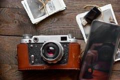 Νοσταλγία - nostalgy για τους παλαιούς χρόνους, τη χρονική έννοια παλαιάς και νέας τεχνολογίας στοκ φωτογραφία με δικαίωμα ελεύθερης χρήσης