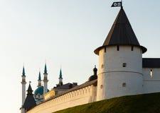 Νοτιοδυτικό σημείο γύρω από τον πύργο της άσπρης πέτρας και τέμενος kul-Σαρίφ Kazan Κρεμλίνο Στοκ φωτογραφία με δικαίωμα ελεύθερης χρήσης
