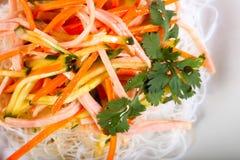 Νουντλς και λαχανικά σαλάτας 6ος Στοκ Εικόνες