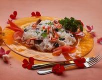 Νουντλς ρυζιού με τις γαρίδες στοκ εικόνα με δικαίωμα ελεύθερης χρήσης