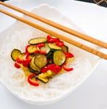 Νουντλς και λαχανικά ρυζιού Στοκ Εικόνες