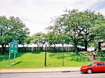 Ντάλλας, Τέξας, ΗΠΑ, στις 15 Μαΐου 2008: Dealey Plaza στο στο κέντρο της πόλης Ντάλλας Η θέση της δολοφονίας του Προέδρου John F  Στοκ εικόνες με δικαίωμα ελεύθερης χρήσης