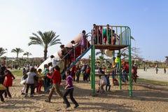 ΝΤΑΜΙΕΤΑ, ΑΙΓΥΠΤΟΣ - 4 ΑΠΡΙΛΊΟΥ 2015: τα παιδιά παίζουν στους κήπους celebr Στοκ φωτογραφίες με δικαίωμα ελεύθερης χρήσης