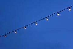 Ντεκόρ βολβών φωτισμού ενάντια στοκ φωτογραφίες