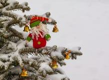Ντεκόρ ενός χριστουγεννιάτικου δέντρου Μαζική παραγωγή Στοκ Εικόνα