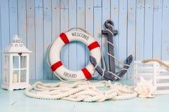 Ντεκόρ στο ύφος του ταξιδιού θάλασσας Άγκυρα και lifebuoy, φανάρι στοκ εικόνες