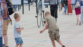 Ντεμοντέ ποδήλατο στην πλατεία Litewski, Lublin Στοκ φωτογραφίες με δικαίωμα ελεύθερης χρήσης