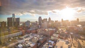 Ντιτρόιτ, στο κέντρο της πόλης ορίζοντας του Μίτσιγκαν, ΗΠΑ άνωθεν απόθεμα βίντεο