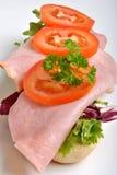 ντομάτα ρόλων ζαμπόν ψωμιού Στοκ Εικόνες
