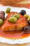 ντομάτα σάλτσας ελιών ψαρ&io στοκ φωτογραφίες με δικαίωμα ελεύθερης χρήσης