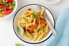 ντομάτα σάλτσας τυριών penne Στοκ εικόνα με δικαίωμα ελεύθερης χρήσης