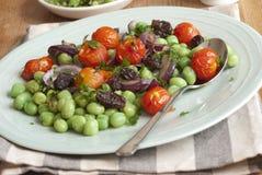 ντομάτα σαλάτας φασολιών στοκ φωτογραφία με δικαίωμα ελεύθερης χρήσης