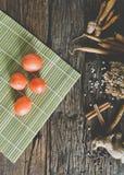 Ντομάτα στον ξύλινο πίνακα Στοκ Εικόνα