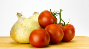 ντομάτες κρεμμυδιών Στοκ φωτογραφία με δικαίωμα ελεύθερης χρήσης