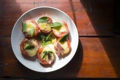 Ντομάτες με το τυρί Στοκ εικόνες με δικαίωμα ελεύθερης χρήσης