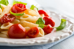 ντομάτες σαλάτας ζυμαρικών κερασιών Στοκ φωτογραφία με δικαίωμα ελεύθερης χρήσης