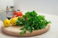 Ντομάτες σκόρδου λεμονιών μαϊντανού Στοκ Φωτογραφίες