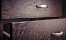 Ντουλάπι κουζινών με τα συρτάρια Στοκ φωτογραφίες με δικαίωμα ελεύθερης χρήσης