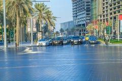 Ντουμπάι, Ηνωμένα Αραβικά Εμιράτα, 15 11 2015 ηλιόλουστη ημέρα στην αστική πόλη, Στοκ Φωτογραφία