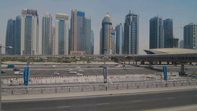 ΝΤΟΥΜΠΑΙ, Ε.Α.Ε. - 13 ΙΟΥΝΊΟΥ: Άποψη των σύγχρονων ουρανοξυστών στη μαρίνα του Ντουμπάι φιλμ μικρού μήκους