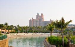ΝΤΟΥΜΠΑΙ 17 ΙΟΥΝΊΟΥ: Το Aquaventure waterpark Atlantis το ξενοδοχείο φοινικών στις 17 Ιουνίου 2009 στο Ντουμπάι, Ηνωμένα Αραβικά Ε Στοκ Εικόνες