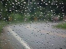 Ντους βροχής πέρα από το εξωτερικό Αίσθημα μόνος και μόνος Στοκ Φωτογραφίες