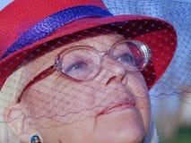 ντυμένη εκκλησία γυναίκα Στοκ εικόνες με δικαίωμα ελεύθερης χρήσης