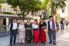 Ντυμένη με κοστούμι ομάδα ανθρώπων σε ένα λαϊκό φεστιβάλ Στοκ φωτογραφία με δικαίωμα ελεύθερης χρήσης