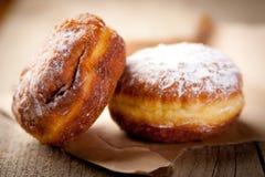 ντυμένη donuts ζάχαρη στοκ εικόνες με δικαίωμα ελεύθερης χρήσης