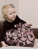 ντυμένο κορίτσι καλά Στοκ εικόνες με δικαίωμα ελεύθερης χρήσης