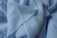 Ντυμένο ύφασμα σιφόν στο μπλε χρώμα κρητιδογραφιών Στοκ φωτογραφία με δικαίωμα ελεύθερης χρήσης